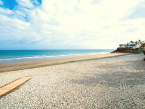Side Shore Bungalows Beach